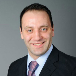 Dr. Philip Naumann